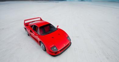 1990 Ferrari F40 Having Fun In The Snow