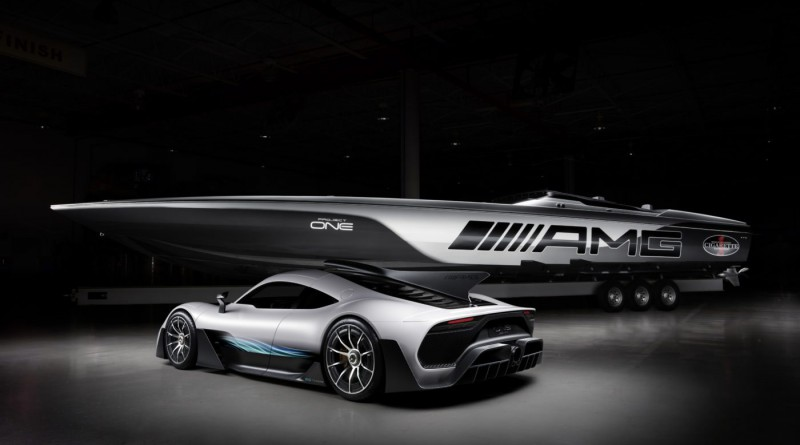 Mercedes-AMG Cigarette Racing Boat