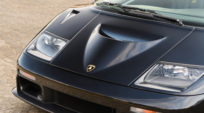 Lamborghini Diablo GT Hood