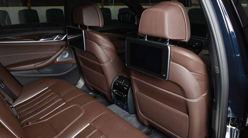 BMW M550i Seats