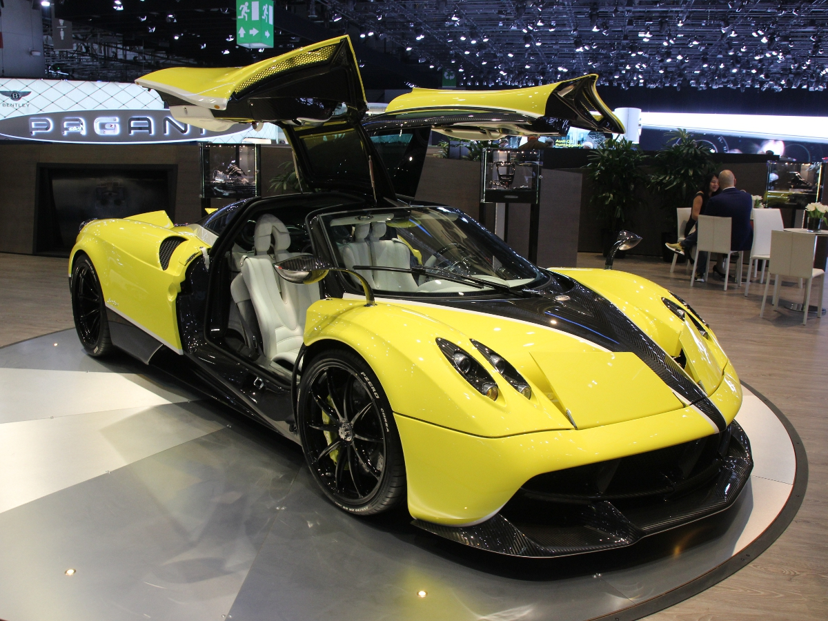 Pagani Huayra Pacchetto Tempesta Package Supercar Report