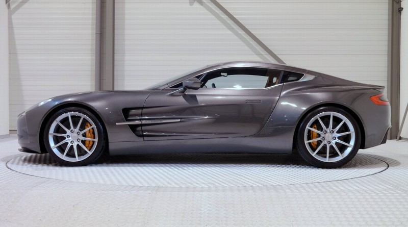 Aston Martin One-77 Side