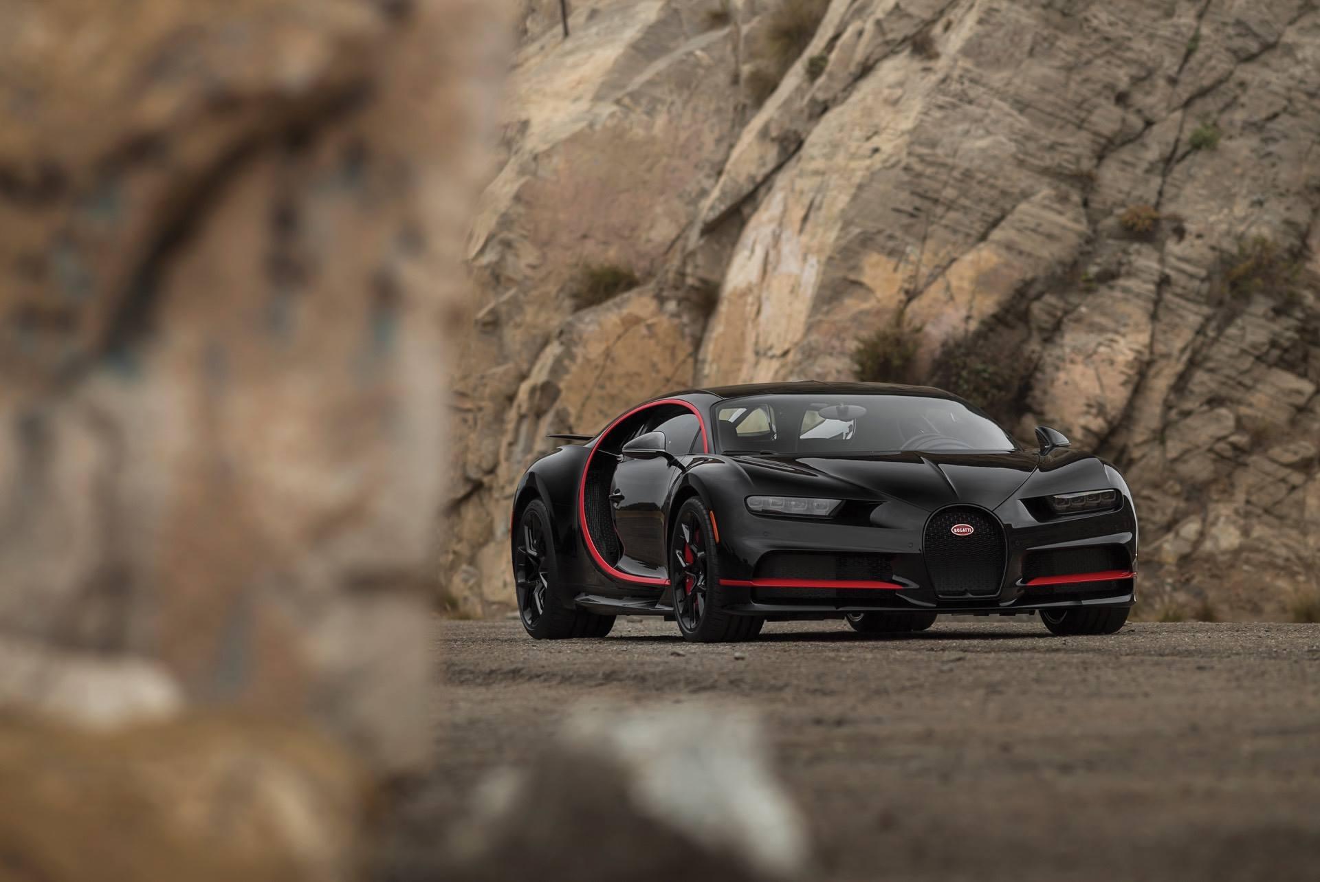 Black and Red Bugatti Chiron | Supercar Report