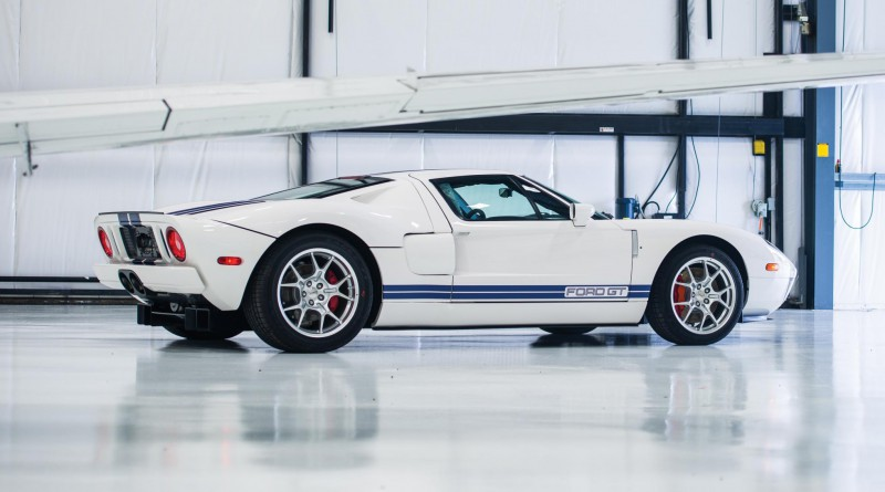 White 2006 Ford GT