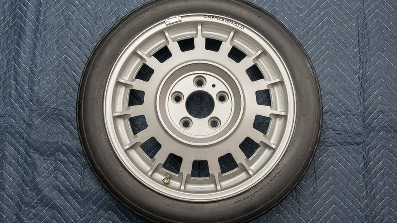 BMW M1 Spare Tire