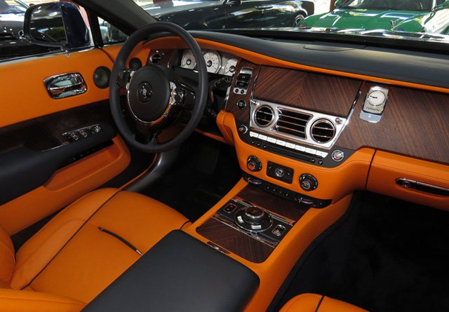 Rolls Royce Dawn Interior