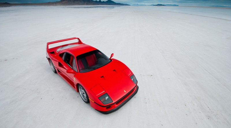 Ferrari F40 Driving In The Snow