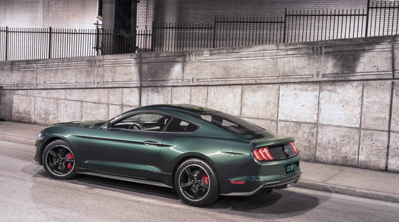 Dark Highland Green Ford Mustang Bullitt