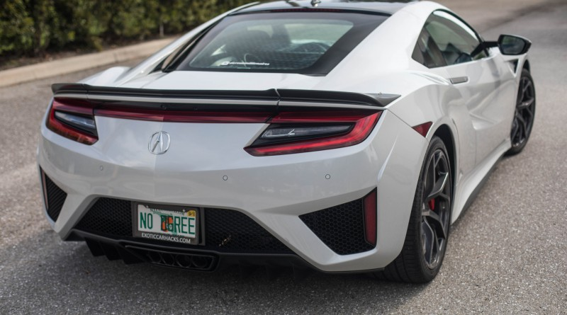 Casino White 2017 Acura NSX