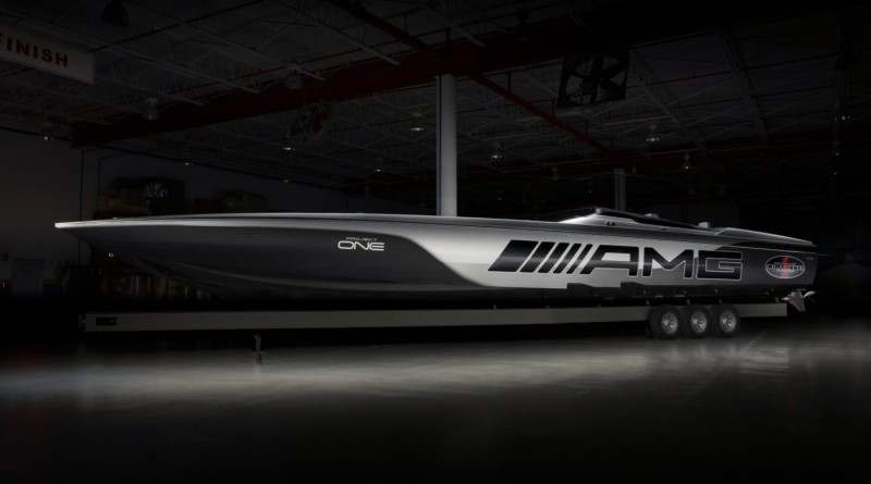 Mercedes-AMG Racing Boat