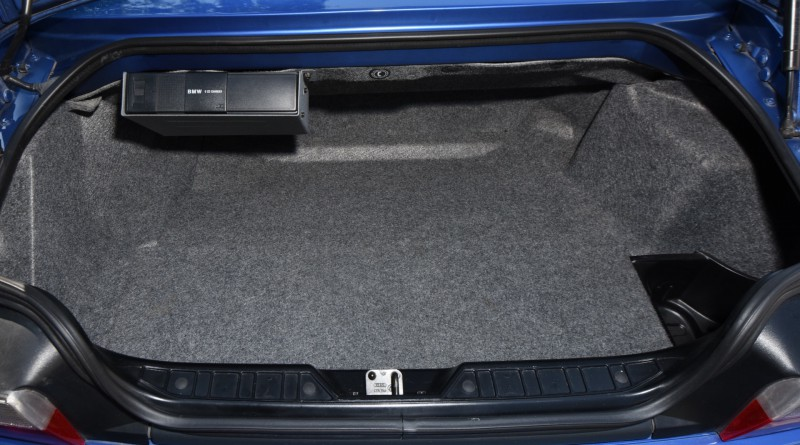BMW M Roadster Trunk