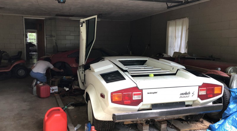 White 1981 Lamborghini Countach