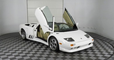 Low Mileage Lamborghini Diablo VT Roadster For Sale